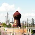Wasserturm und tausend Masten