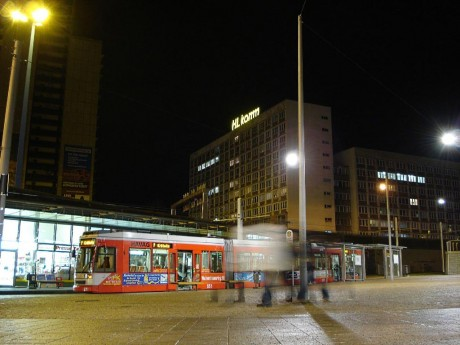 Straßenbahn am Riebeckplatz