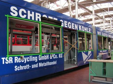 Straßenbahn bei der Hauptuntersuchung