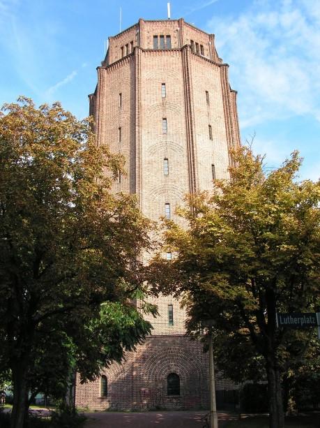 [lang_de]Wasserturm am Lutherplatz[/lang_de][lang_en]The water tower at the Lutherplatz[/lang_en]